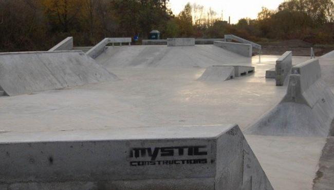 Kam za skateboardingem Skatepark Beroun Czech Sport Guru