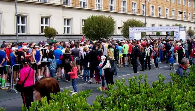 pvp3 - u startu - Pardubický půlmaraton - Běh Mistrovství mužů a žen - Czech Sport Guru
